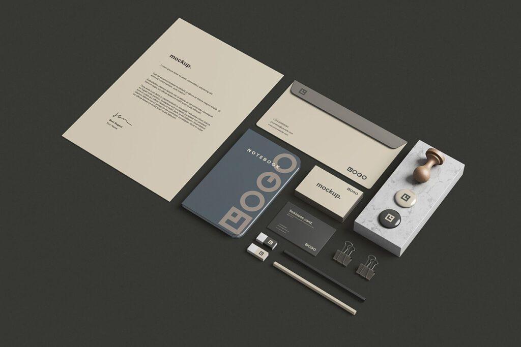 Set de papelería de freedesignresources.net, nuestra web favorita para descargar mockups gratis.